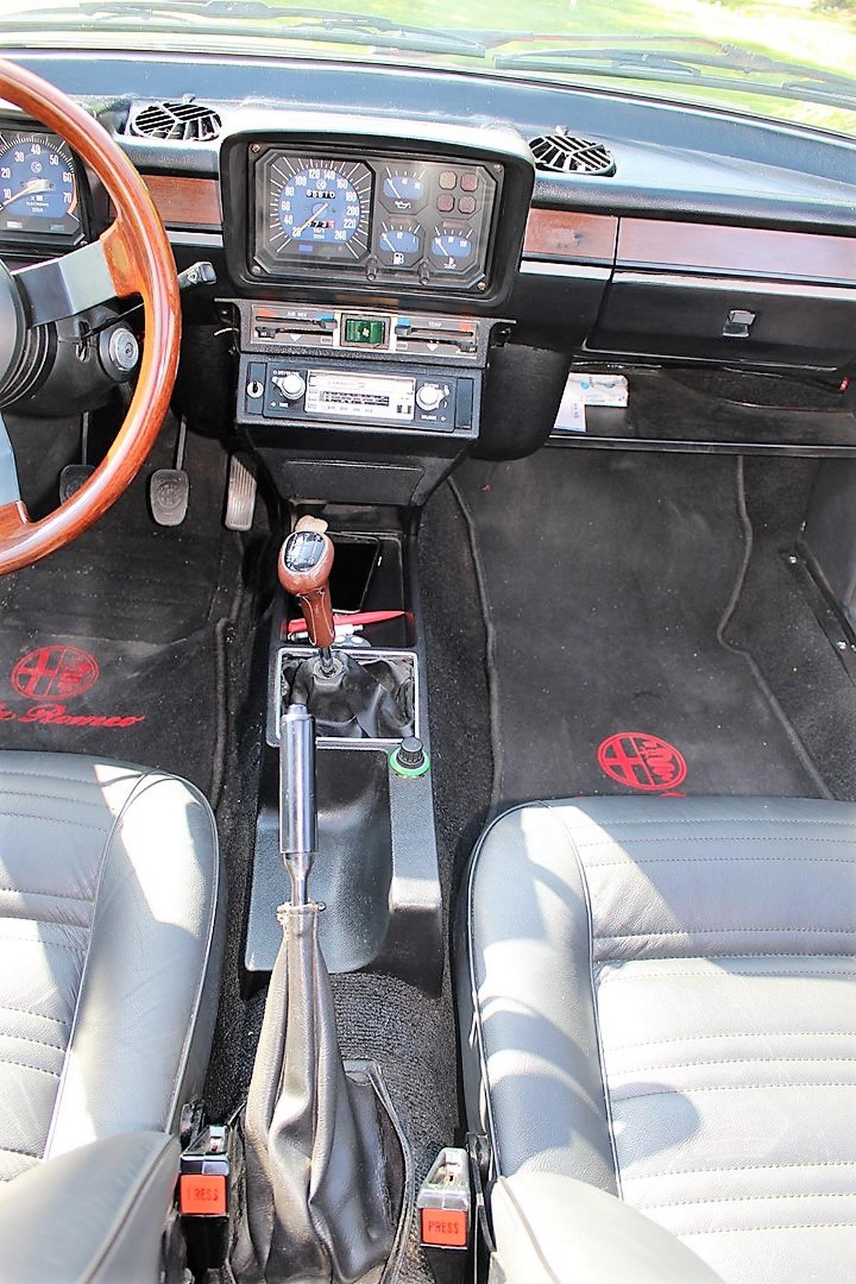 Alfa Romeo Gtv ALFETTA 2.0 132 cv RESTAURER