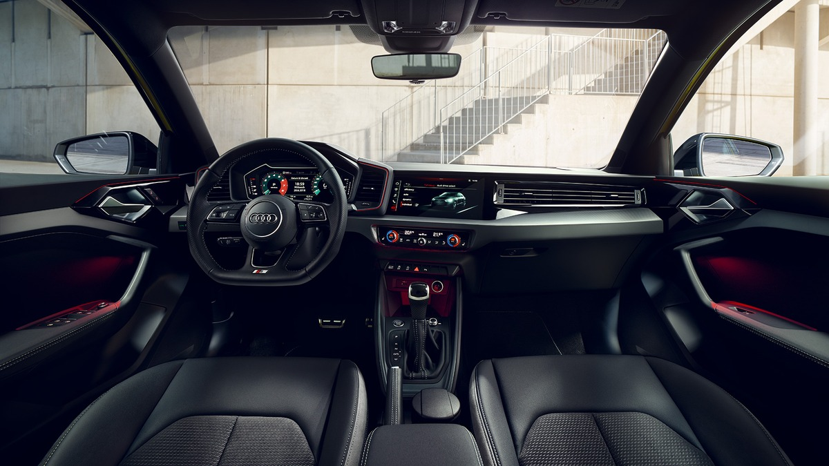 Audi A1 SPORTBACK     0610214513