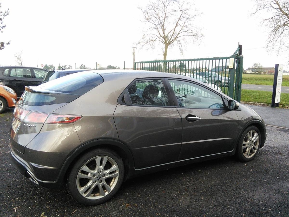Honda Civic VIII 2.2 i CDTI 140 119583km