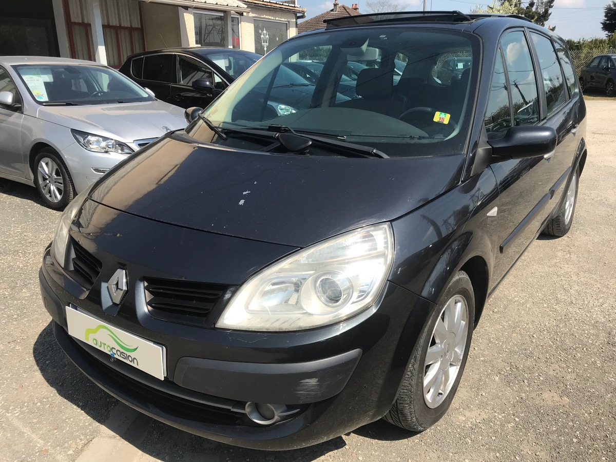 Renault Grand Scenic 2.0 DCI 150 7 PLACES