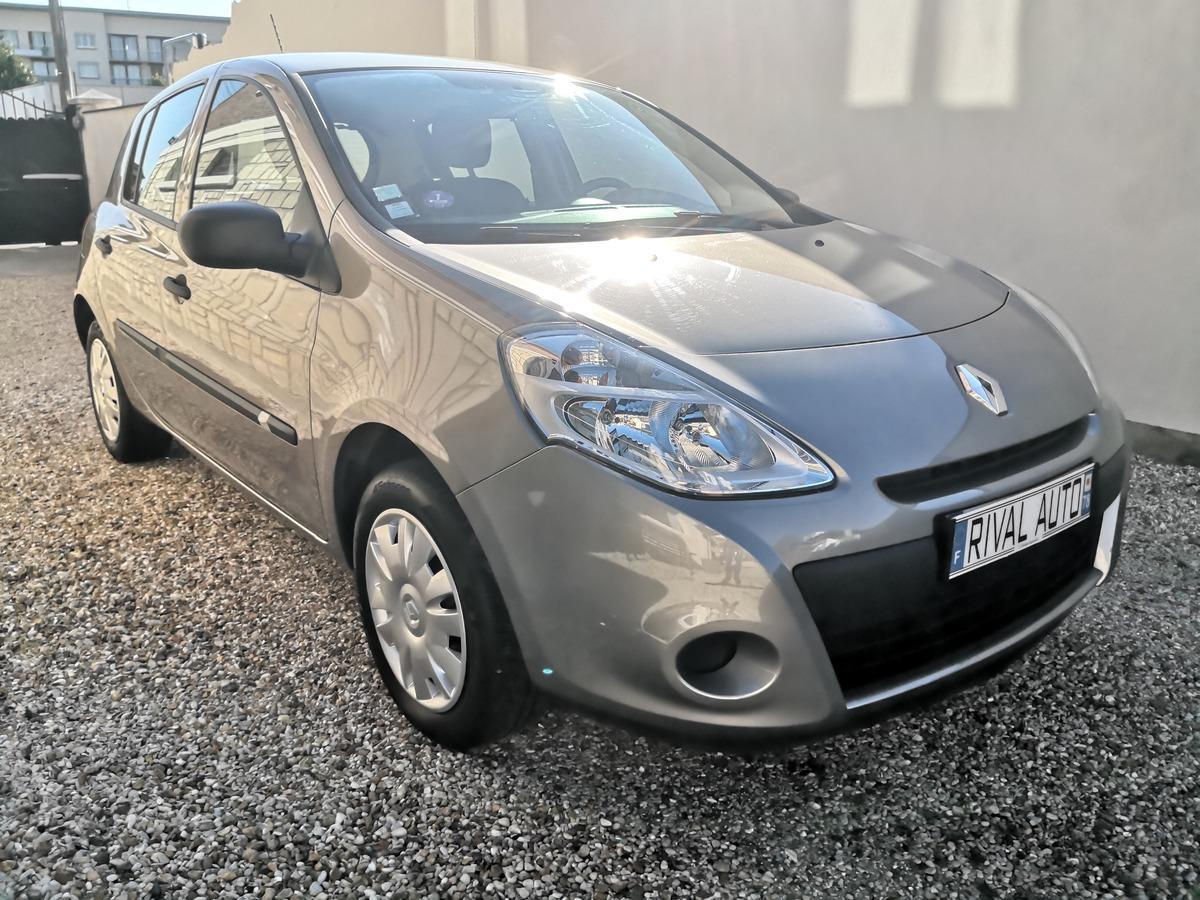 Renault Clio 1.2i 16v - 75 euro 5 Acces