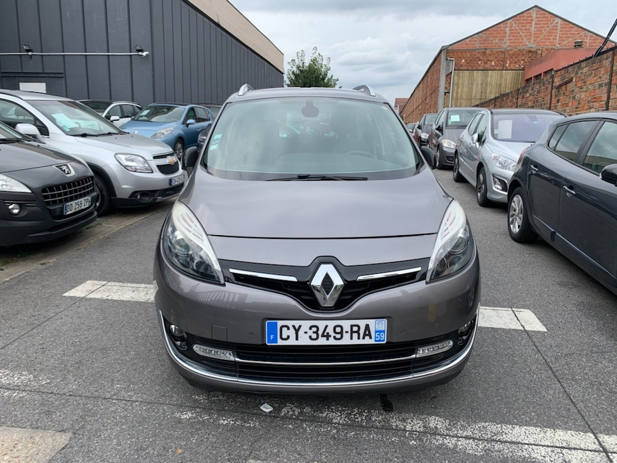Renault Grand Scenic 1.5 DCI 110 CH 7 pl 4X