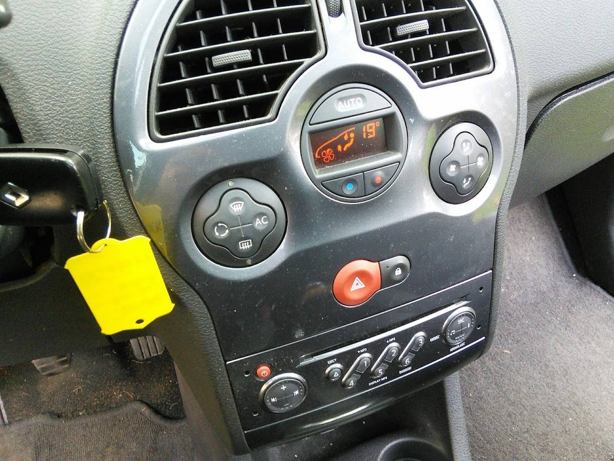 Renault Modus 1.5 DCI 88CV EXECPTION CLIM 110002KM