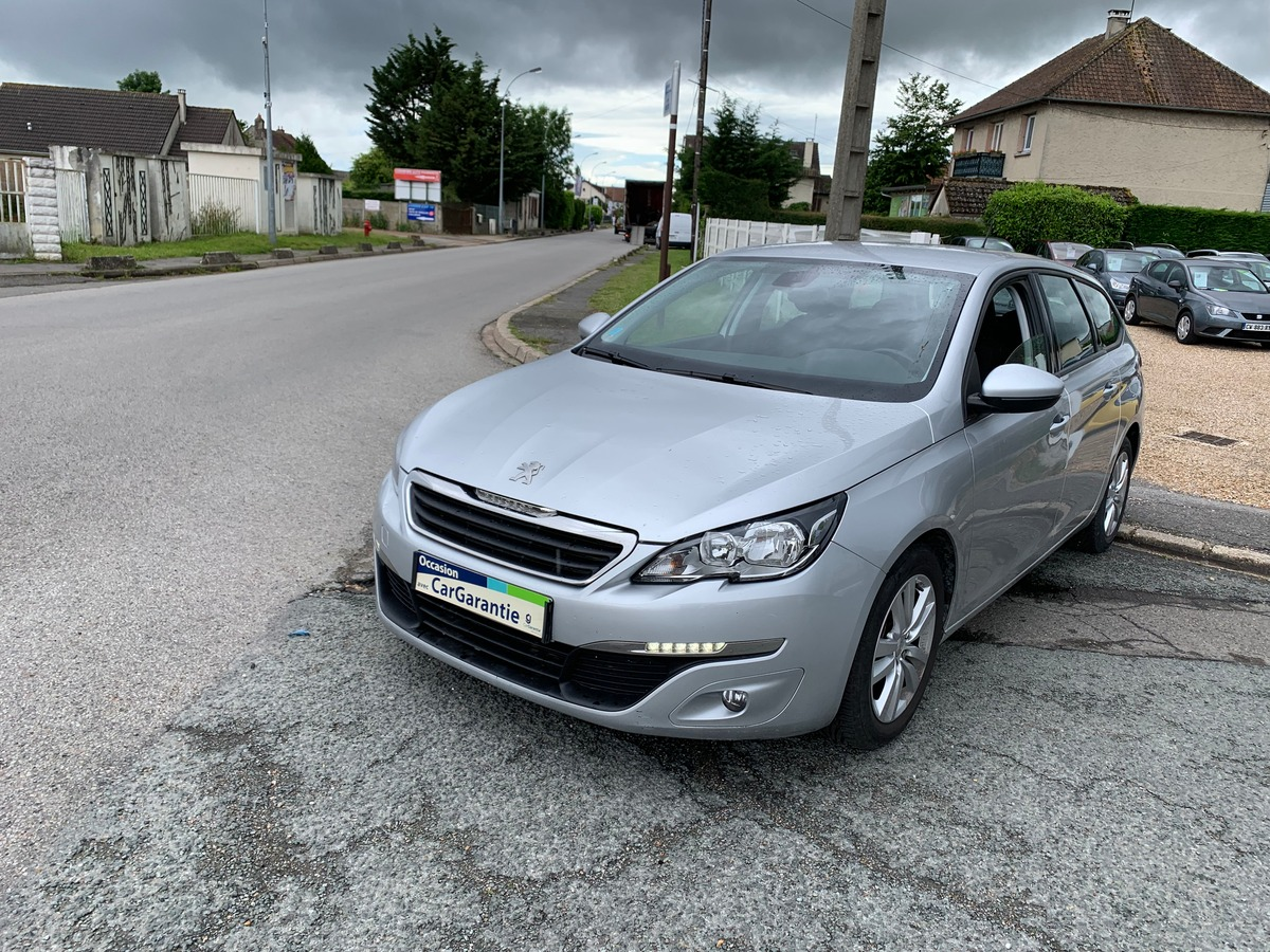 Peugeot 308 II SW 1.6 BLUEHDI 120 S&S BUSINESS