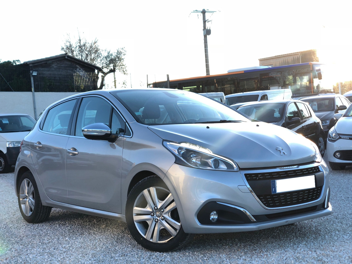 Peugeot 208 Business Pack 1.6 BlueHDi 100 S&S