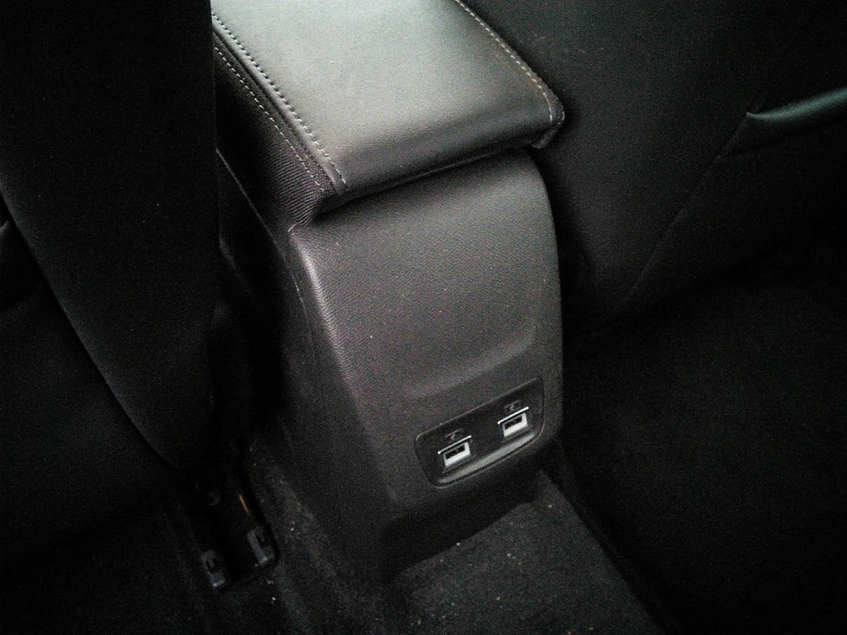 Peugeot 208 HB 1.2 100 PURETECH ALLURE 2758km
