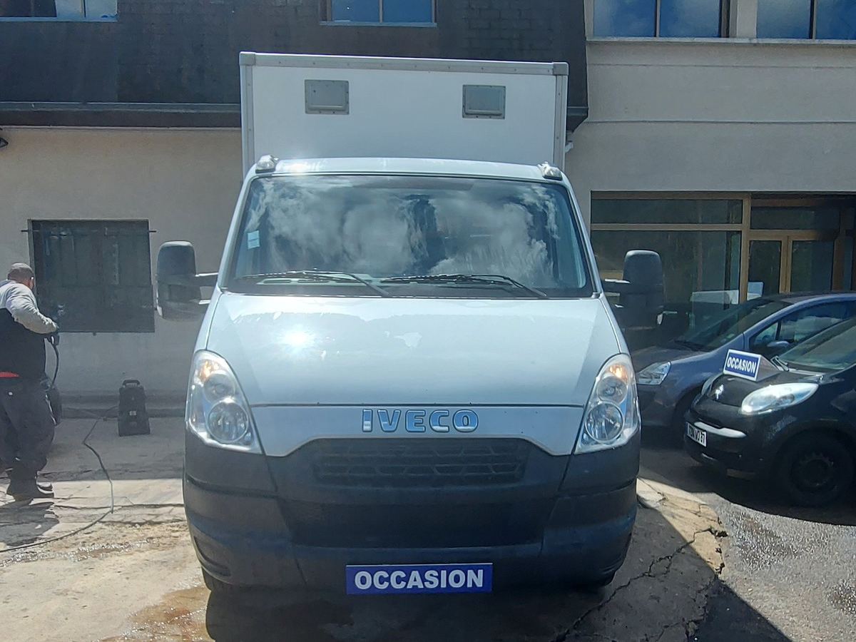 Iveco Daily Chassis Cab 2.3 L 35C13 2014