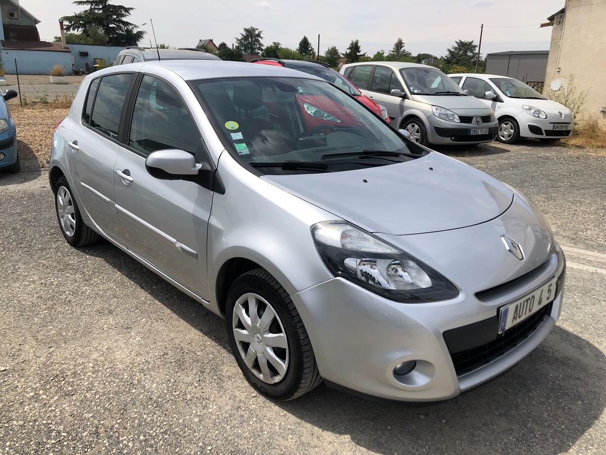 Renault Clio III TOMTOM 1.5 DCI 90 CHV