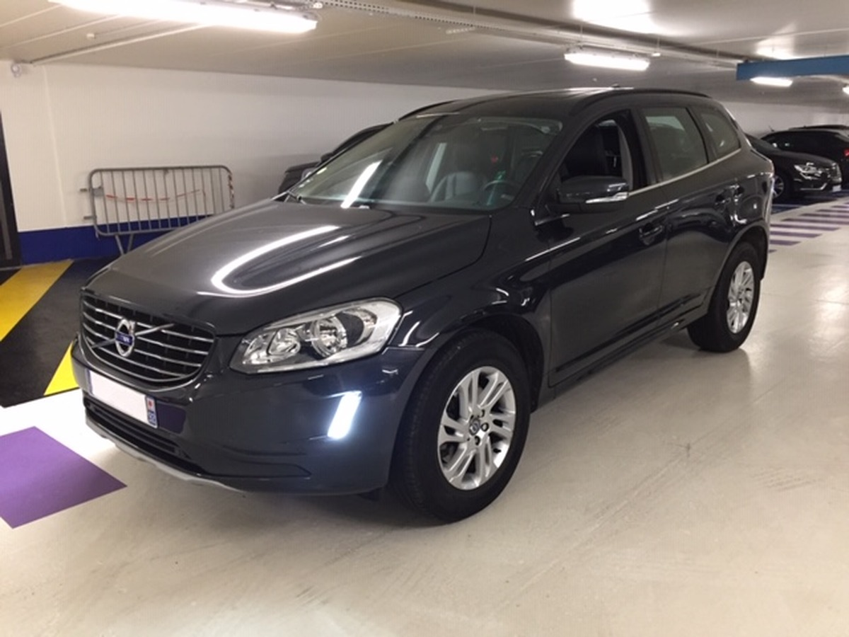 Volvo Xc60 D3 150 MOMENTUM BUSINESS GEARTRONIC 1A