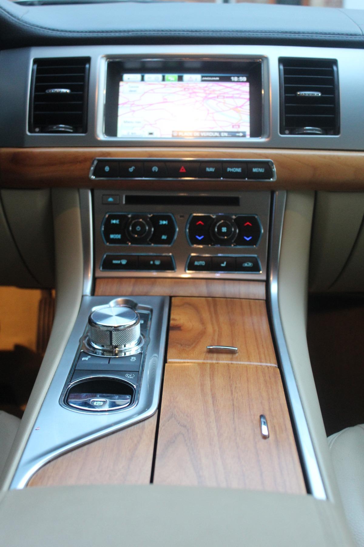 Jaguar Xf 2.2 D 163 BRITISH EDITION