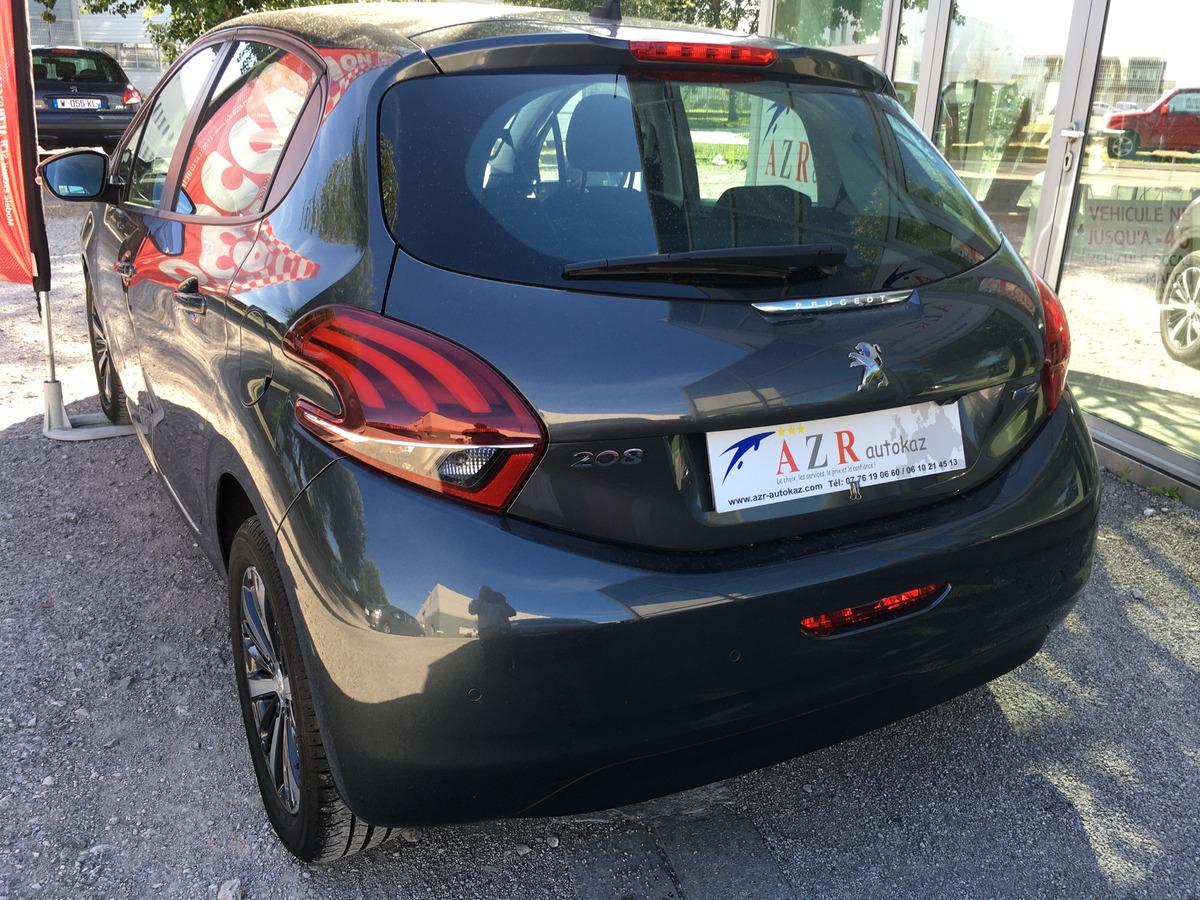 Peugeot 208 1.2 PureTech   0610214513 AZR 62