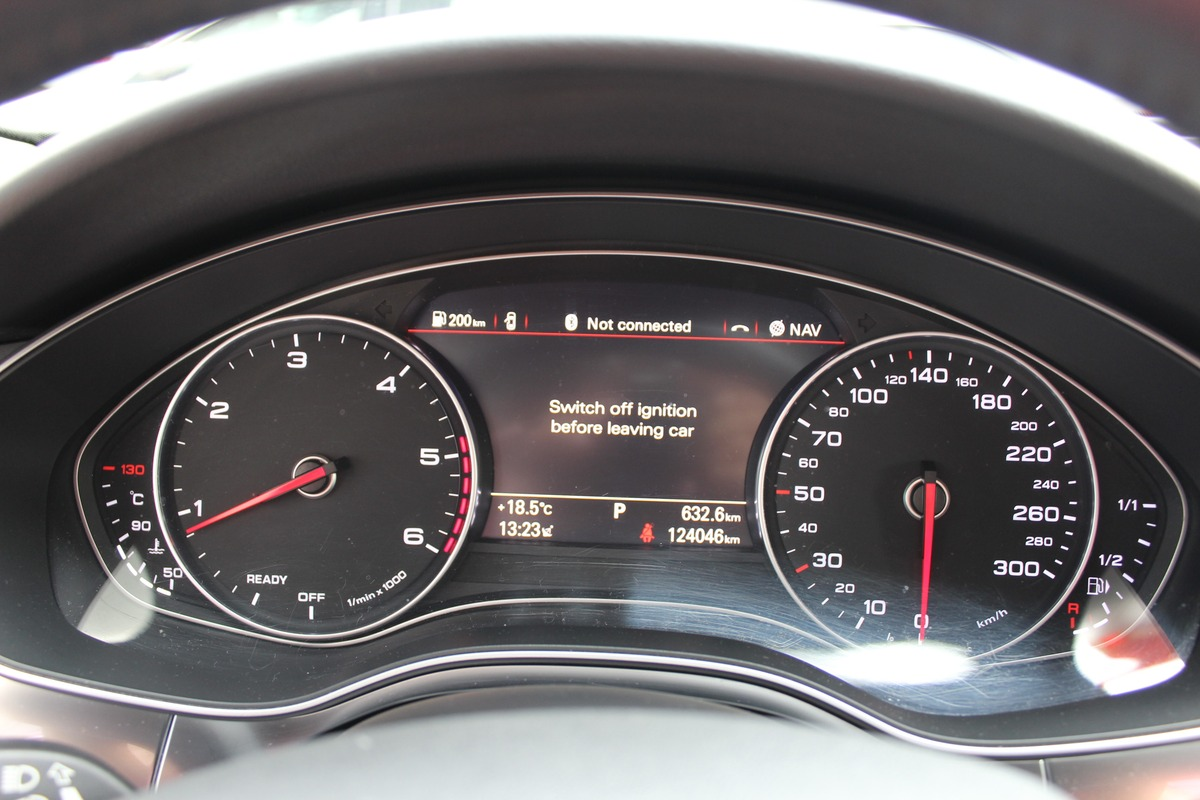 Audi A6 IV (2) 2.0 TDI ULTRA 190 S TRONIC S&S 2