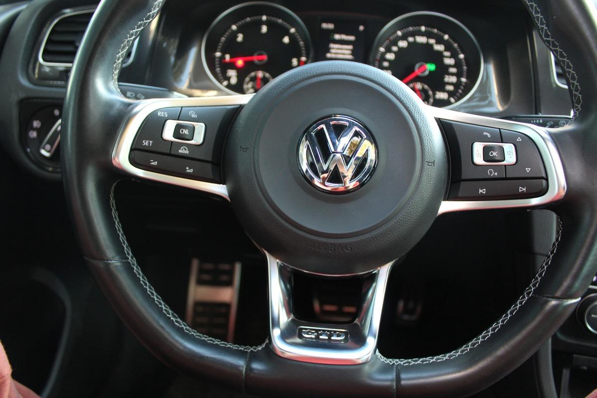 Volkswagen Golf VII 2.0 GTD 184ch DSG6 TO/Cuir