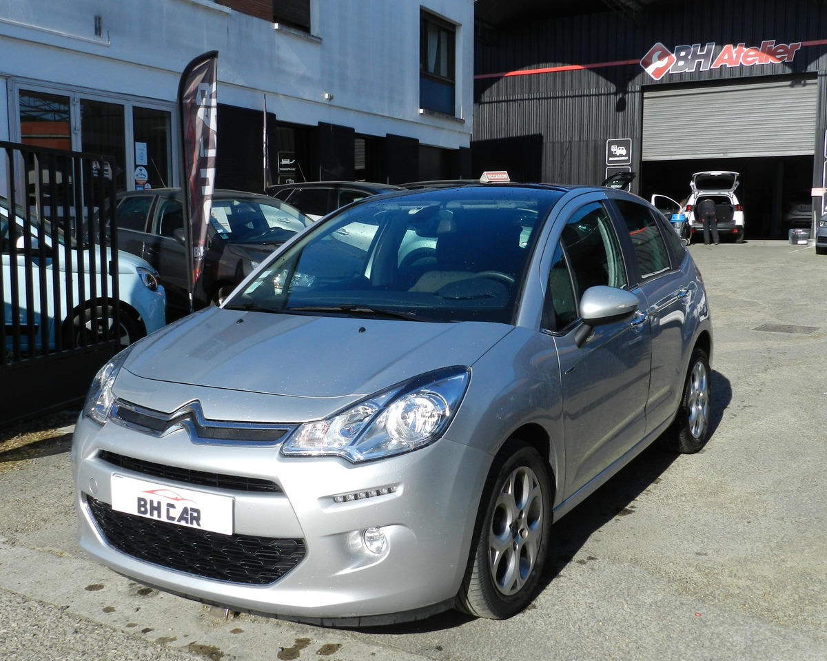 Citroen C3 EXCLUSIVE 1.2 - 82 CV - FAIBLE KMS