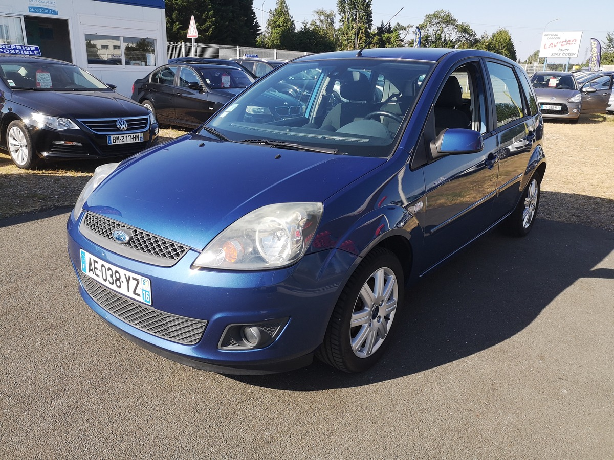 Ford Fiesta 1.4 TDCI 70 GHIA REPRISE POSSIBLE