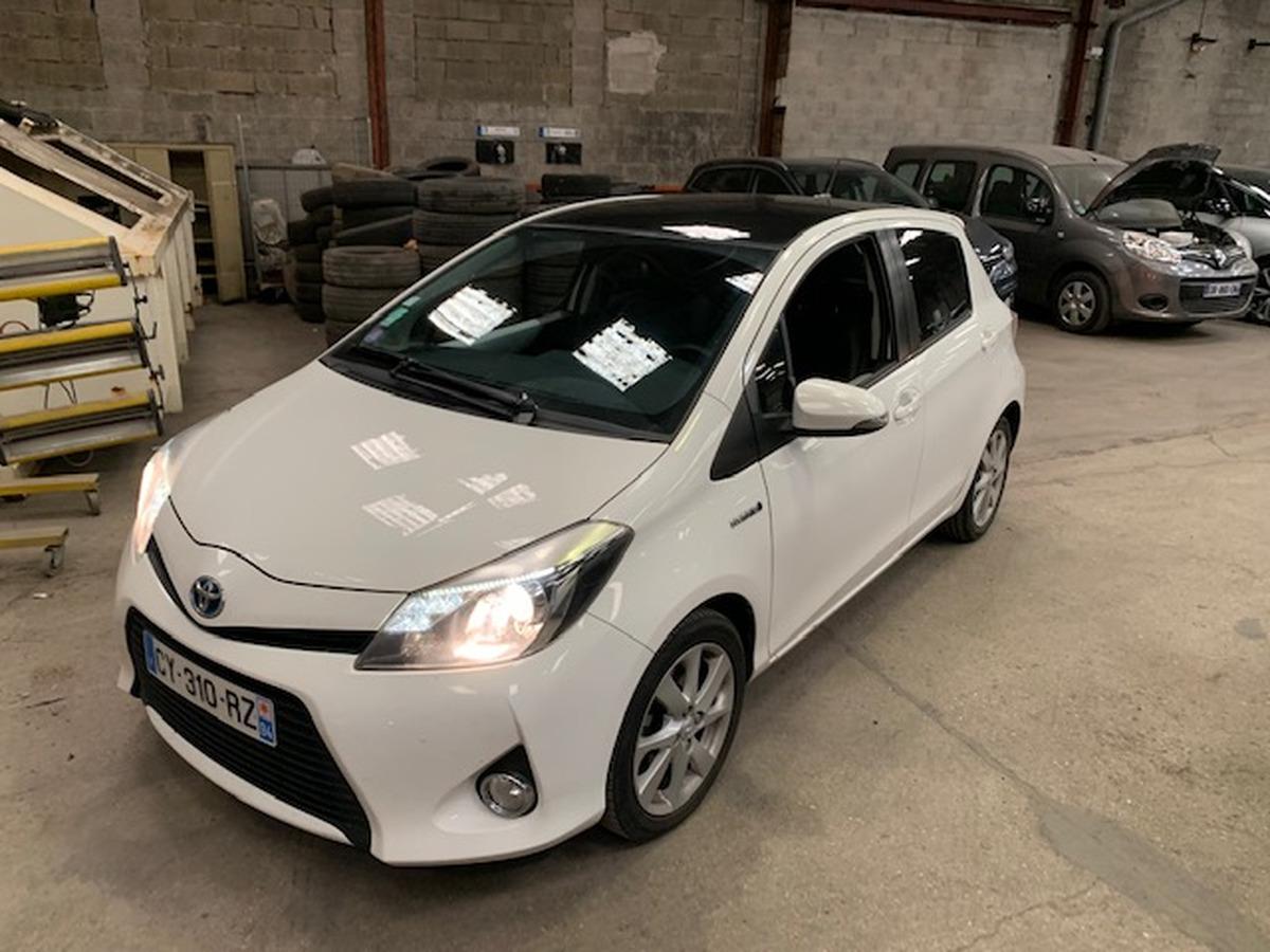 Toyota Yaris hybride 100h - bv cvt