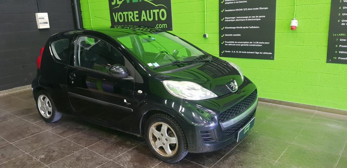 Peugeot 107 1.0i 12v black and silver climatisée