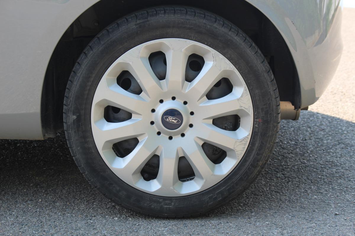 Ford Ka II 1.2 69 cv TITANIUM GARANTIE