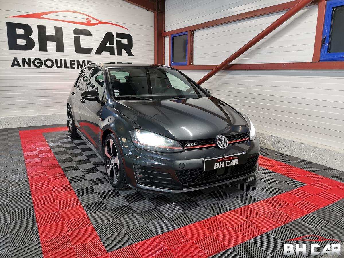 Volkswagen Golf 2.0 TSI 220ch 5P