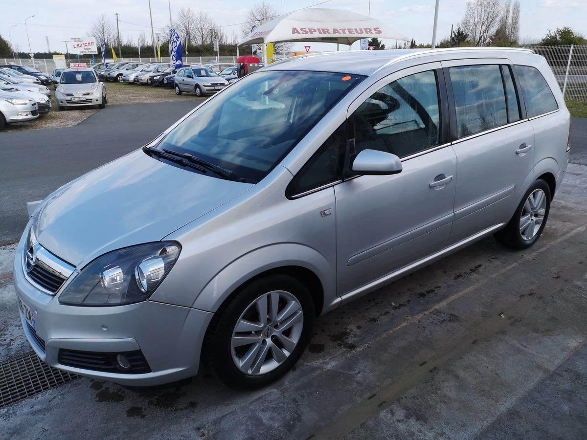 Opel Zafira 1.9 CDTI 120 DESIGN 7 PLACES