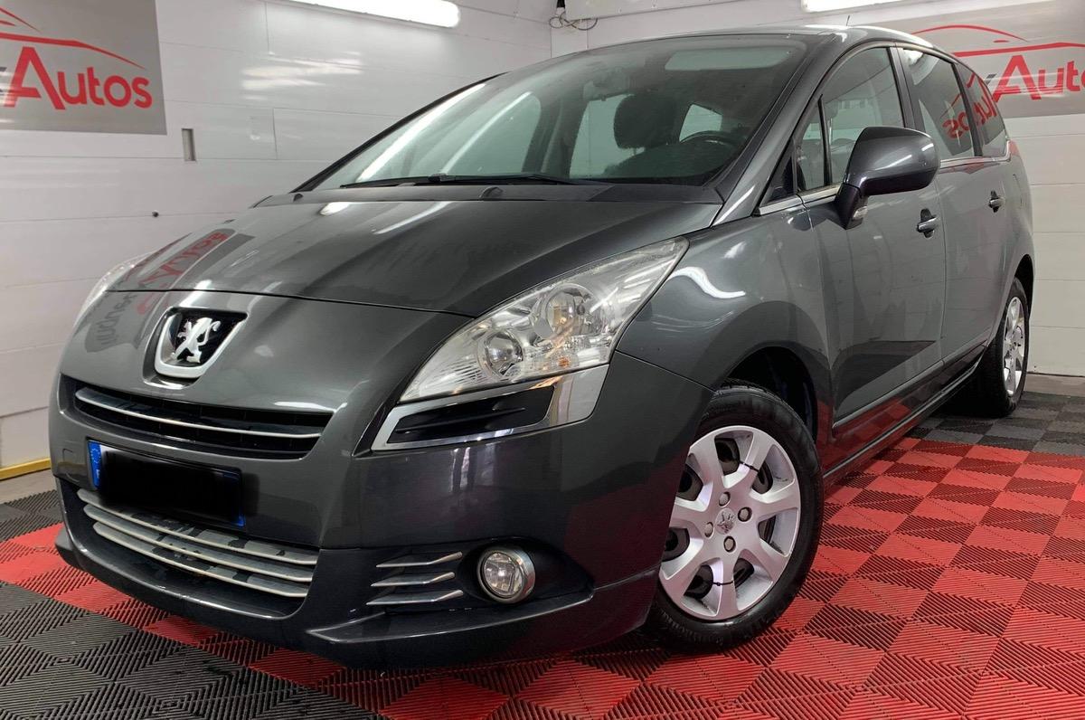 Peugeot 5008 1.6 hdi 110 cv 7 places + GPS + Optio