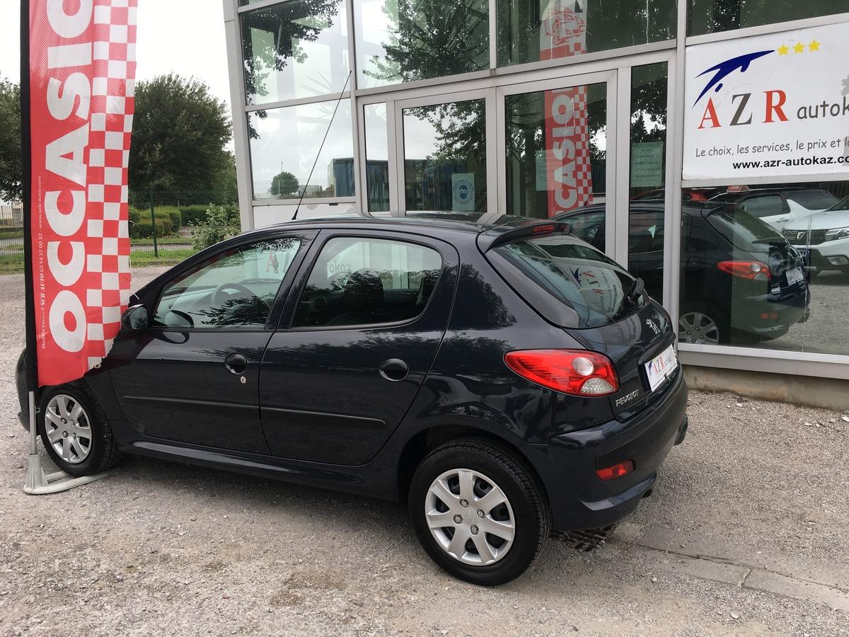 Peugeot 206+ 1.1i  0610214513 à voir
