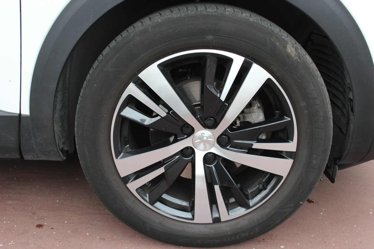 Peugeot 3008 II 1.2 PURETECH 130 S&S ALLURE 1