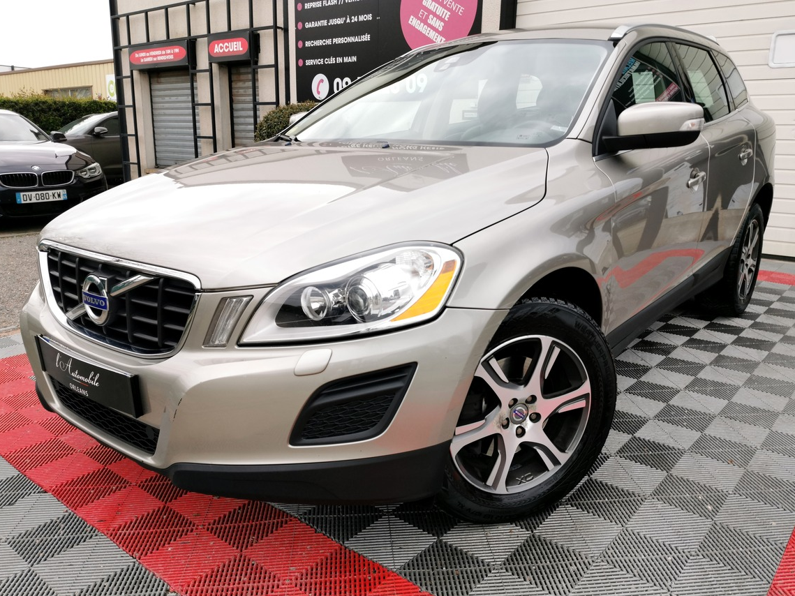 Volvo Xc60 D4 MOMENTUM 163 GEARTRONIC A