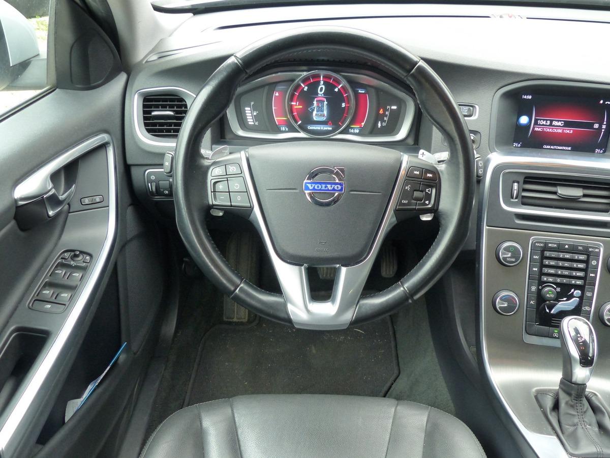Volvo V60 (2) D4 181 SUMMUM GEARTRONIC 8 ai