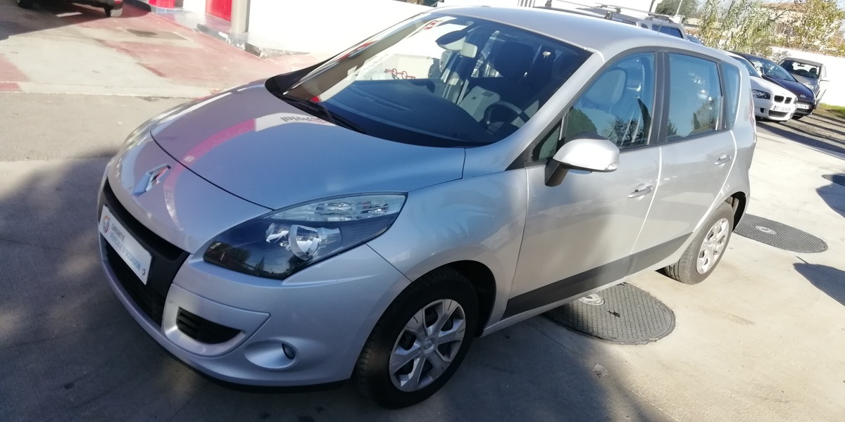 Renault Scenic 1.5L DCI 105CH EXPRESSION