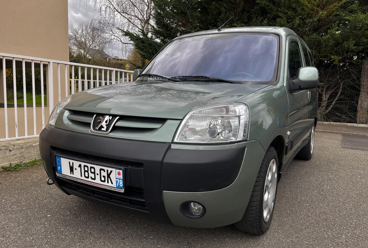 Peugeot Partner 2 COMBI 5 PLACES 2L HDI 129000 KMS
