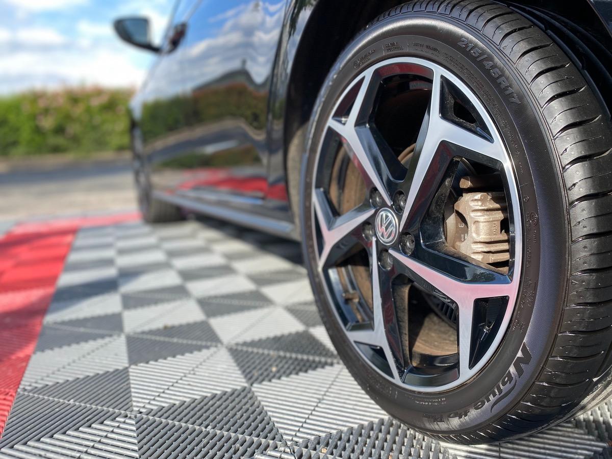 Volkswagen Polo 1.0 TSI DSG 115 R-LINE CAR PLAY