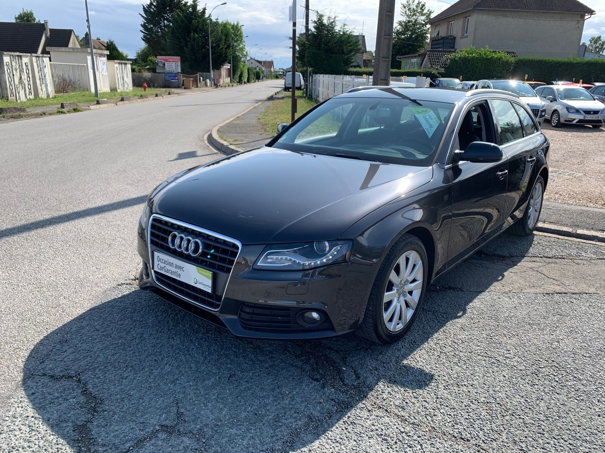 Audi A4 IV AVANT 2.0 TDI 143CV DPF AMBITION LUXE