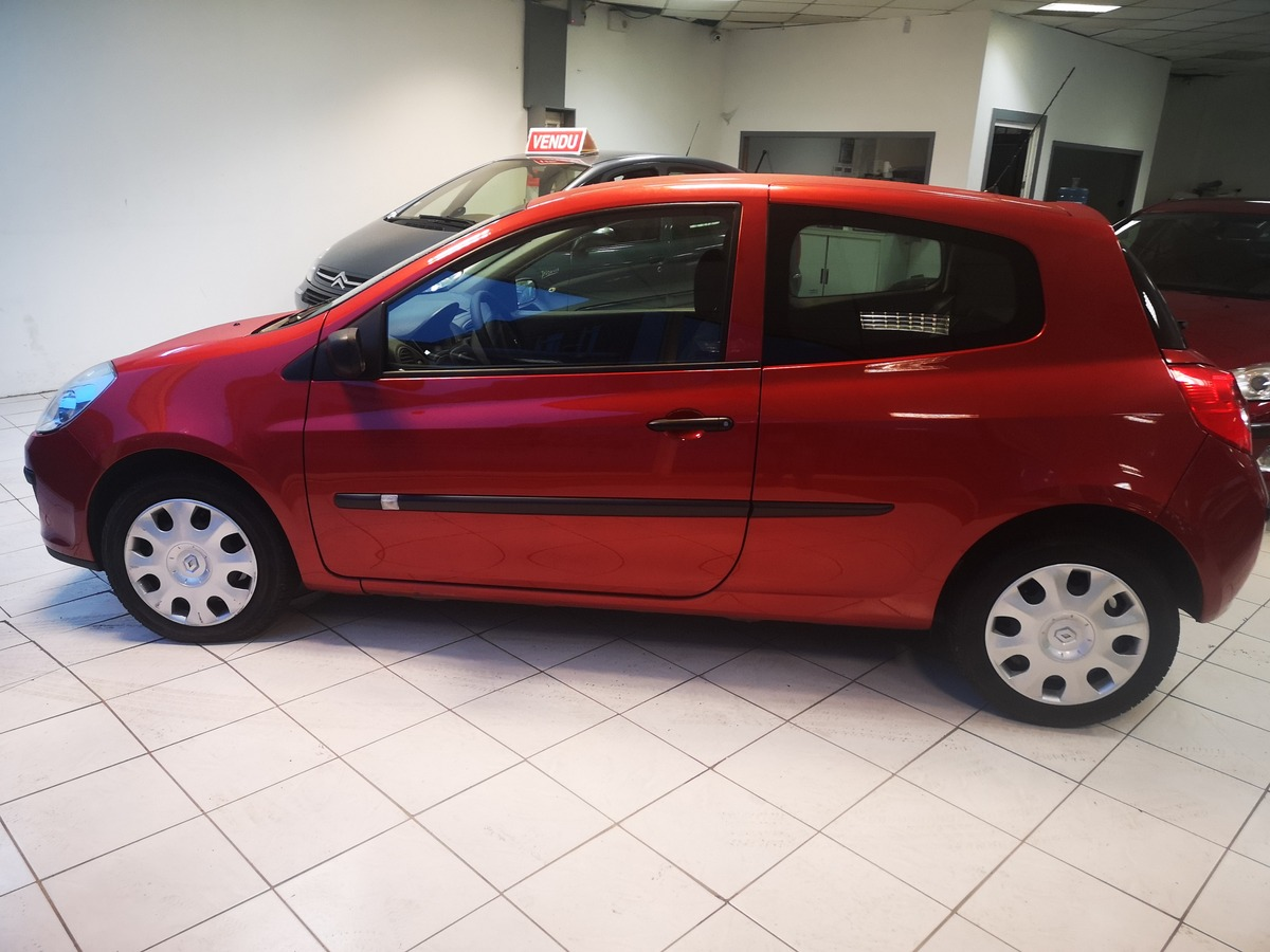 Renault Clio III 1.2 ESSENCE 60CV-2008- 37.000KMS!