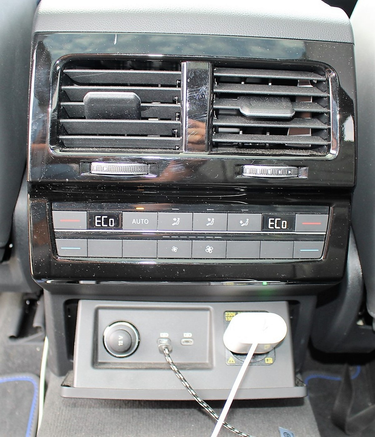 Volkswagen Touareg R 3.0 TSI EHYBRID BVA8 462 ch