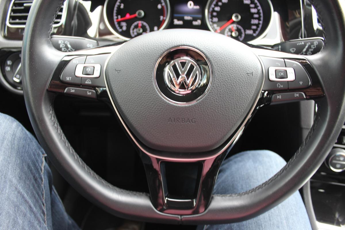 Volkswagen Golf VII (2) 1.4L TSI 125 CARAT 125c
