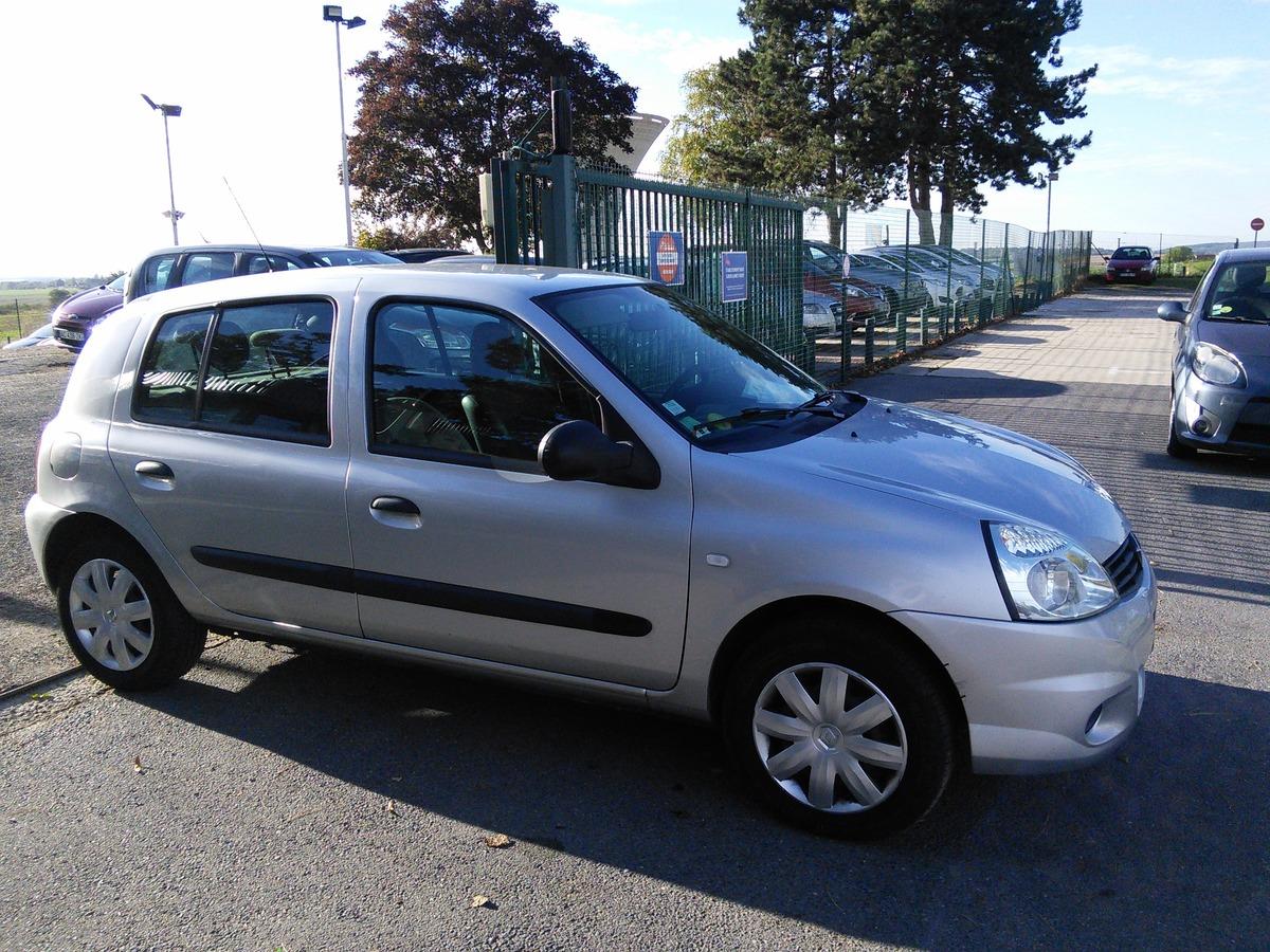 Renault Clio 1.2 75 Campus Distribt OK 111003km